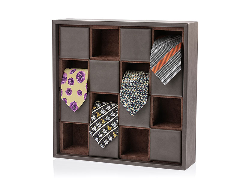 Display for ties